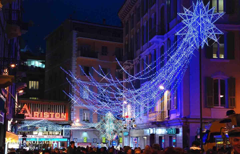 Canzone Di Natale Stella Cometa Testo.Le Luminarie Natalizie Pugliesi Illuminano Le Citta Marianolight